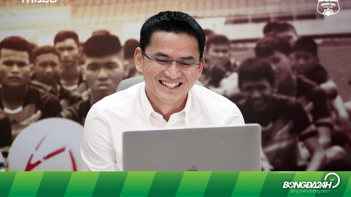 Kiatisuk lùi ngày sang Việt Nam ký hợp đồng với HAGL