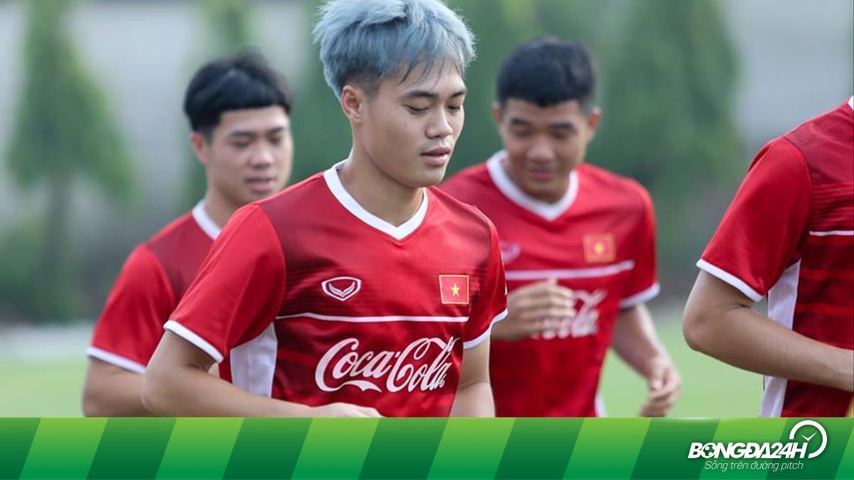 Tài như Nguyễn Văn Toàn: Vừa đá bóng, bán áo và mở quán cafe