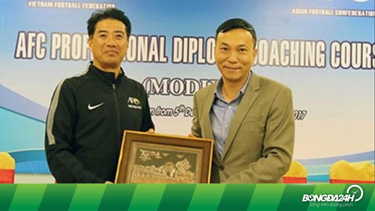 Tân GĐKT VFF đã có mặt tại Việt Nam