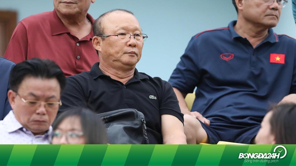 HLV Park Hang Seo than không tìm được tiền đạo giỏi tại V-League