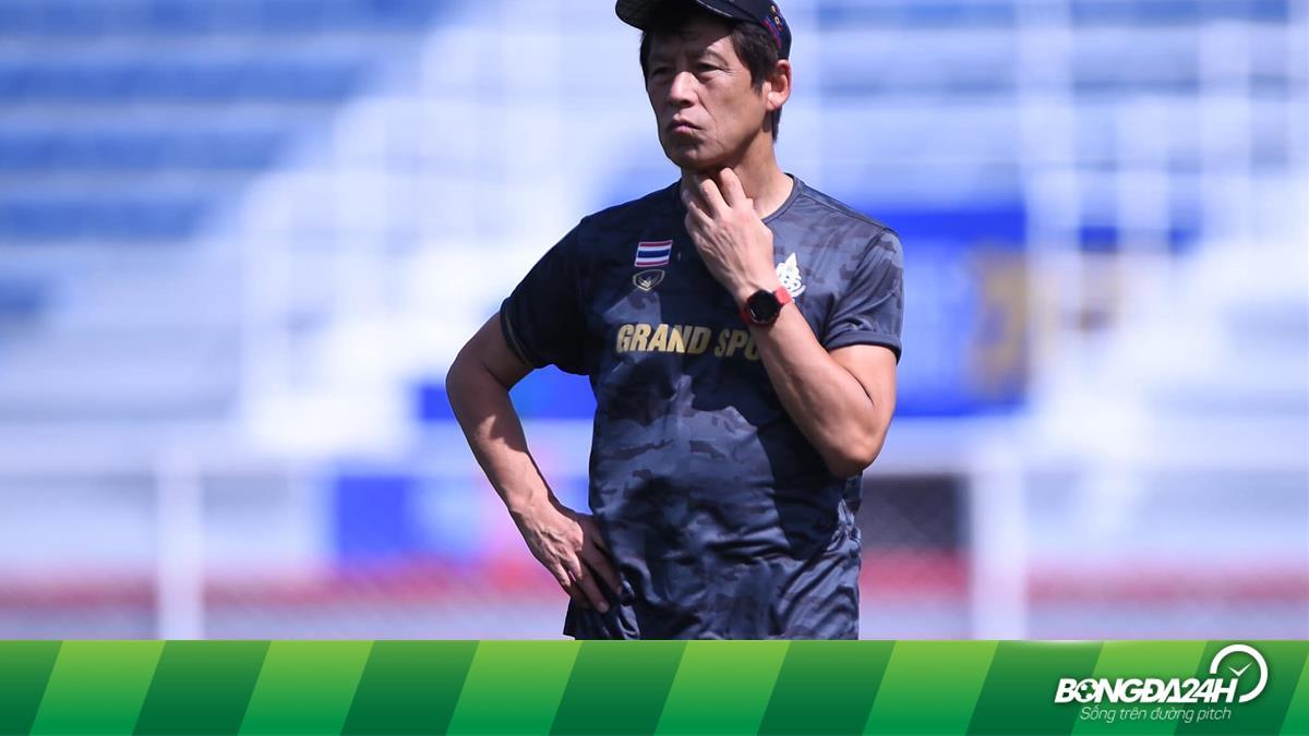 HLV Akira Nishino khiến người Thái âu lo