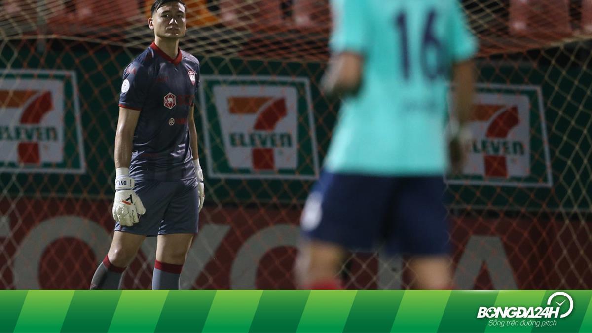 Đặng Văn Lâm gây ấn tượng với người hâm mộ Thai League