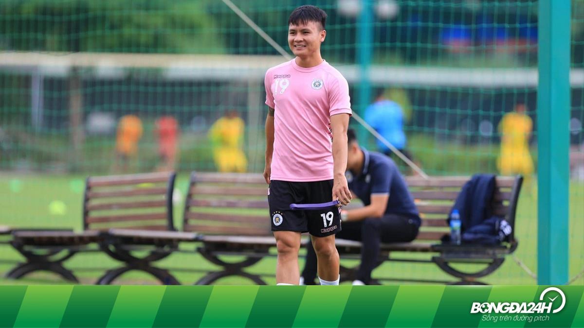 Quang Hải gặp vấn đề sức khỏe trước ngày V-League trở lại