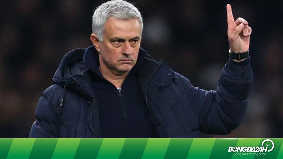 Mourinho kiếm gần 100 triệu Bảng sau những lần mất việc