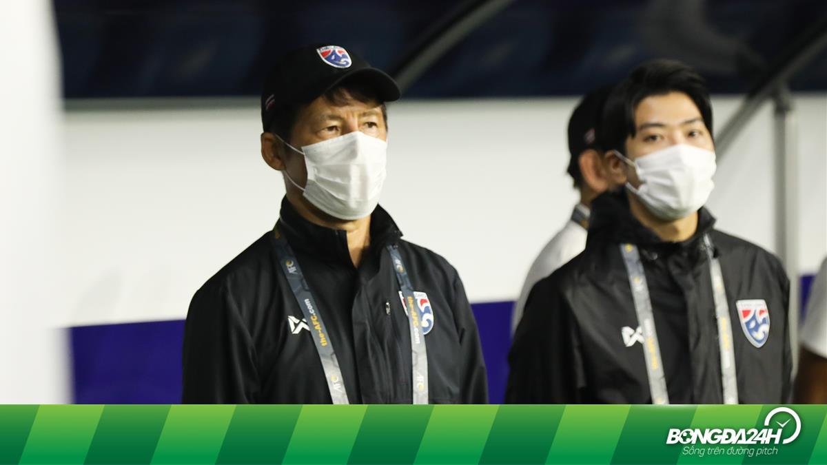 HLV Nishino chấp nhận giảm lương sau thành tích cầm quân yếu kém