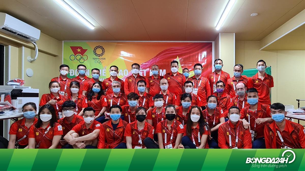 VĐV Việt Nam xem phim Hương vị tình thân trong thời gian dự Olympic