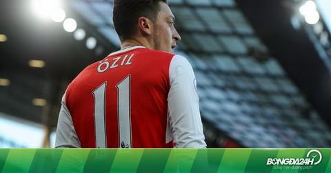 "Ballack: ""Ozil nên tới Bayern Munich"""
