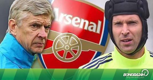 Góc Arsenal: Cech, Wenger và những sự thật phũ phàng