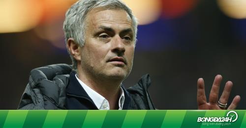 """Jose Mourinho: """"Tôi chẳng là gì tại M.U"""""""