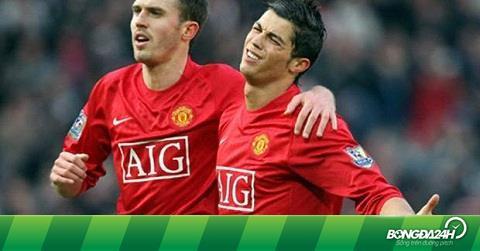 Carrick nói gì trước tin đồn Ronaldo trở lại M.U?