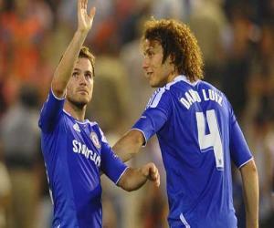 Arsenal bất ngờ quan tâm đến nhạc trưởng của Chelsea