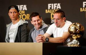 """Ribery vẫn chưa hết """"cay cú"""" vì bị Ronaldo """"cướp"""" QBV"""