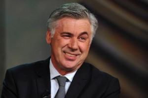 """Ancelotti """"dằn mặt"""" Platini vì danh hiệu Quả bóng vàng"""
