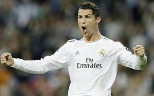 """CĐV đua nhau """"bắt chước"""" phong cách ăn mừng bàn thắng của Ronaldo"""