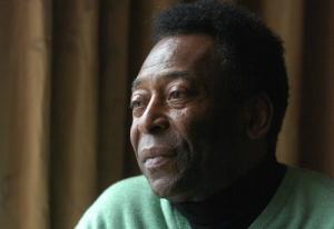 Vua bóng đá Pele nhập viện điều trị khẩn cấp