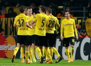 Top 10 bàn thắng bằng đầu đẹp nhất trong lịch sử Bundesliga