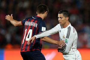 Giận ra mặt, Ronaldo không thèm bắt tay chủ tịch UEFA