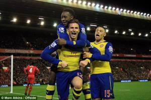 Skrtel đổ máu giật lại 1 điểm ngoạn mục cho Liverpool từ tay Arsenal