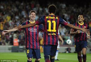 HLV Barca bị ném đá vì ưu ái Messi và Neymar