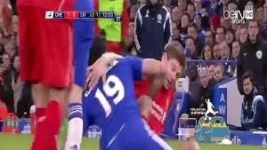 Costa và Gerrard đấu vật ngay trên sân