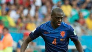 Van Gaal lên kế hoạch chiêu mộ hậu vệ Hà Lan thay thế cho Marcos Rojo