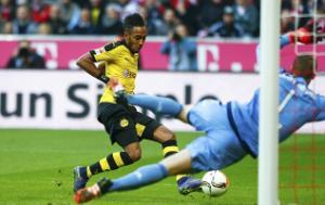 """Barcelona cân nhắc chiêu mộ """"thần gió"""" của Dortmund"""