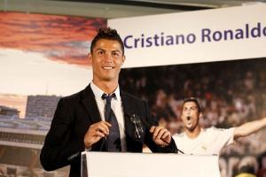 Những siêu phẩm bàn thắng đỉnh cao nhất của ngôi sao Ronaldo