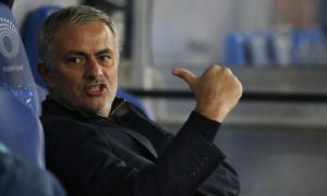 Videp Clip HLV Mourinho của Chelsea xô CĐV bóng đá quay lén