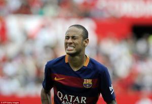 Neymar: Xin đừng là cái bóng của Messi!