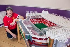 """Fan cuồng M.U kỳ công """"xây dựng"""" sân Old Trafford bằng diêm"""