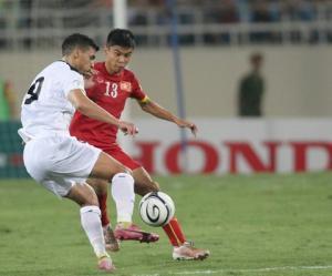 Trung vệ Tiến Duy thi đấu ấn tượng ra sao trong trận Việt Nam 1-1 Iraq