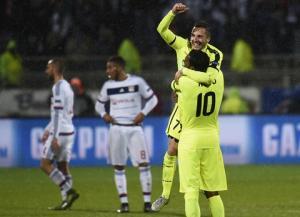 Màn dàn xếp đá phạt đầy sáng tạo ở Champions League