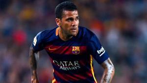 Dani Alves hồi sinh ở Barca: Thông điệp thách thức Aleix Vidal