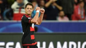 Chicharito lập kỷ lục ghi bàn tại Leverkusen: Van Gaal đã sai lầm?
