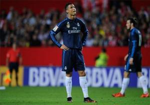 Van de cua Real Madrid: Ronaldo va Bale nen bot… ich ky