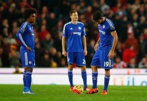 Vô địch Premier League, Chelsea vẫn lỗ