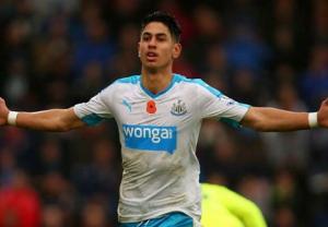 Barca muốn giành sao Newcastle với M.U
