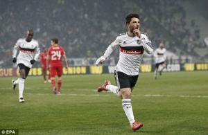 """Bị ép toàn tập, """"Vua đấu cúp"""" chính thức dừng bước tại Europa League"""