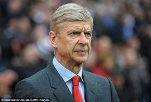 Arsene Wenger phản đối luật mới của Premier League