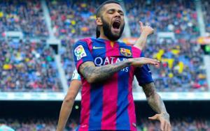 """Dani Alves """"ngó lơ"""" MU để ở lại Barca?"""