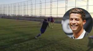 Bài luyện tập bóng đá siêu dị mà Ronaldo cũng phải lè lưỡi