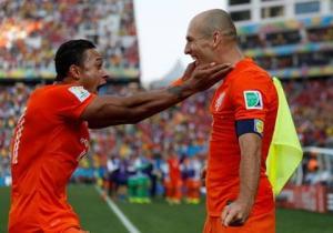 Nếu còn nhớ Robben, M.U hãy mua Depay ngay lập tức!