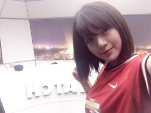 Hotgirl fan M.U Nguyễn Tú Linh tin Quỷ đỏ hạ Chelsea