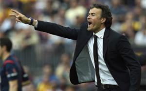 HLV Luis Enrique thừa nhận Barca gặp may trước Valencia