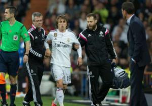 Real thiệt quân trước derby Madrid: Trách nhiệm thuộc về Ancelotti