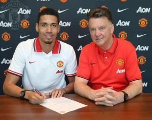 Chính thức: Chris Smalling gia hạn hợp đồng với Man Utd