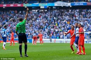 Alba giải thích về thẻ đỏ điên rồ trong trận gặp Espanyol