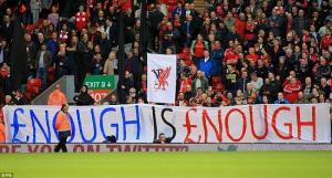 Liverpool bị CĐV nhà… tẩy chay