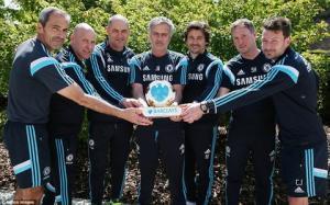 Rốt cục, Jose Mourinho cũng được công nhận là HLV xuất sắc nhất Premier League