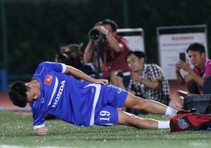 U23 Việt Nam chốt danh sách, Văn Toàn thoát hiểm phút chót